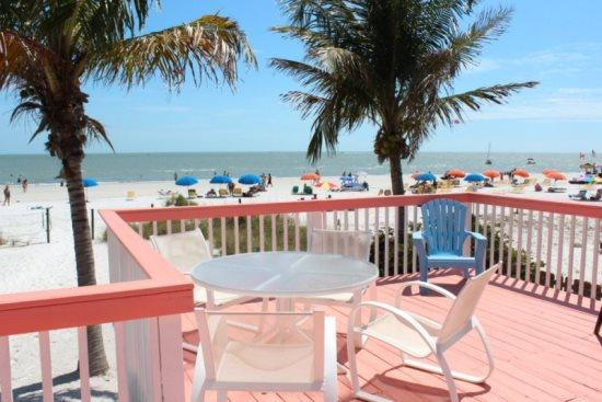 Enjoy the view all day long - Margaritaville, our Key West style Beachfront North End Cottage now with Sun Palace Vacations -  Margaritaville - Fort Myers Beach - rentals