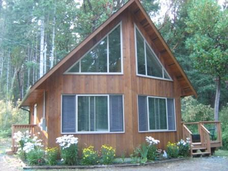 Nestled in the woods - Parksville Area Cedar guest house nestled in woods - Nanoose Bay - rentals