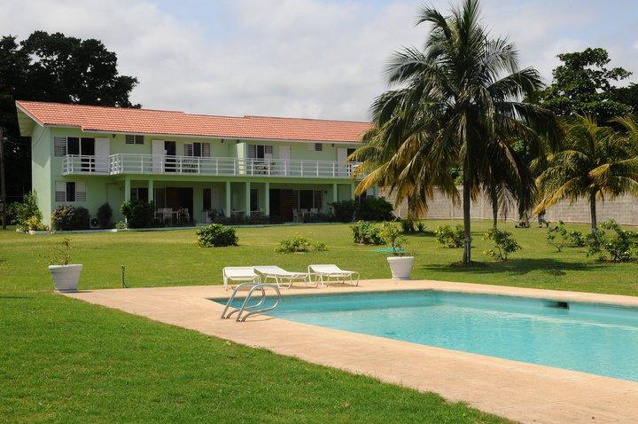 PARADISE PMM - 43662 - LOVINGLY RENOVATED | 3 BED | BEACHFRONT VILLA WITH POOL - OCHO RIOS - Image 1 - Ocho Rios - rentals