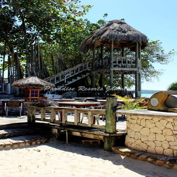 PARADISE PKU - 43737 - AUTHENIC QUEENSIZE ROOM WITH RESTAURANT IN NEGRIL - Image 1 - Negril - rentals