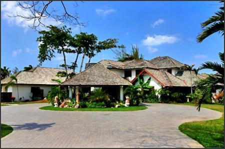 PARADISE PMA - 43621 - SPACIOUS | 6 BED | FAMILY | BEACHFRONT VILLA WITH POOL | GYM - OCHO RIOS - Image 1 - Ocho Rios - rentals