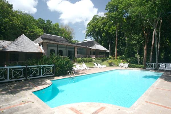 PARADISE PER -  43626 - COMPLETE PRIVACY | 4 BED | FAMILY | OCEANFRONT VILLA WITH POOL - OCHO RIOS - Image 1 - Ocho Rios - rentals