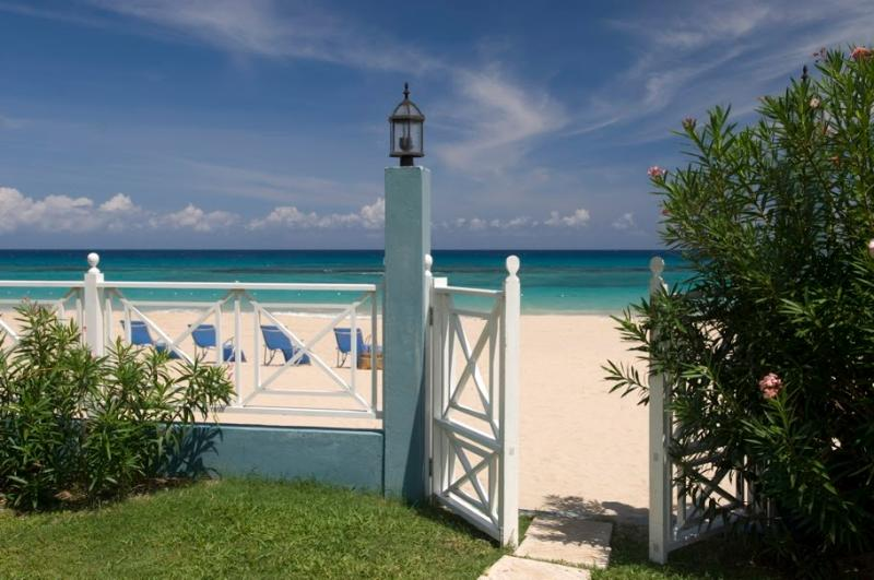 PARADISE  PSB - 43700 - PERFECT VACATION | 6 BED | LUXURY | BEACHFRONT VILLA WITH POOL - RUNAWAY BAY - Image 1 - Runaway Bay - rentals