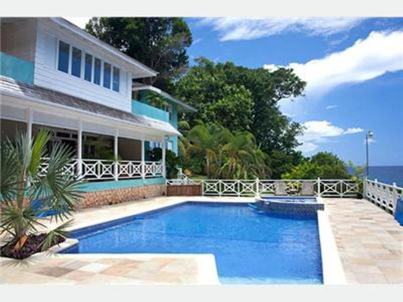 PARADISE PKK - 43762 - AUTHENTIC | 4 BED | WATERFRONT VILLA ESTATE WITH POOL - OCHO RIOS - Image 1 - Ocho Rios - rentals