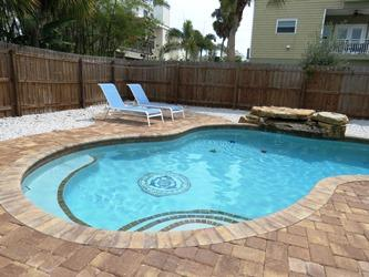 Pool lounges - Sea's the Day - 207 Coconut - Anna Maria - rentals