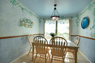 Inviting Dinning Area - Beach View 5 - 3704 6th Ave - Holmes Beach - rentals