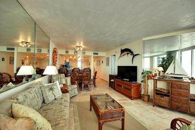 Spacious Interior - Anna Maria Island Club Unit 18 - Bradenton Beach - rentals