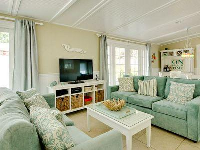 Living Room - Misty Beach-5802 Imperiore Ave - Holmes Beach - rentals