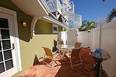 Spacious Private Courtyard - Palm Isle 3205 - Holmes Beach - rentals