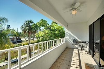Spacious Balcony off Living Area - Gulf View Townhomes Unit 4 - Holmes Beach - rentals