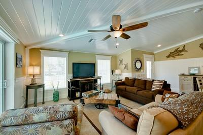 living room 4 - No Bad Days-7100 Holmes - Holmes Beach - rentals