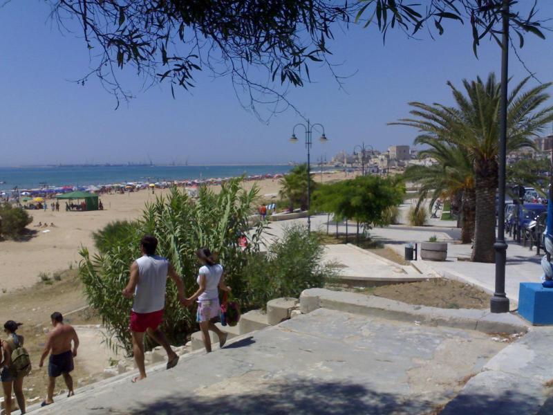 200yd away main beach (July 2015) - Pozzallo sea sun & surf in Sicilian Baroque heart - Pozzallo - rentals