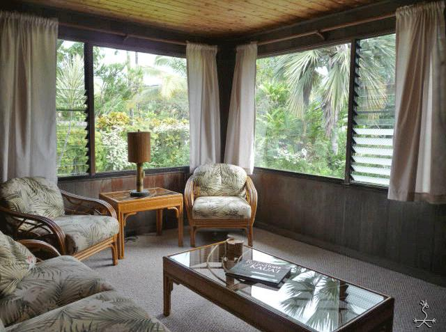 A comfy living room with garden & mountain views just a minute's walk to the beach. - Aunty Lydia's Ohana - Hanalei - rentals