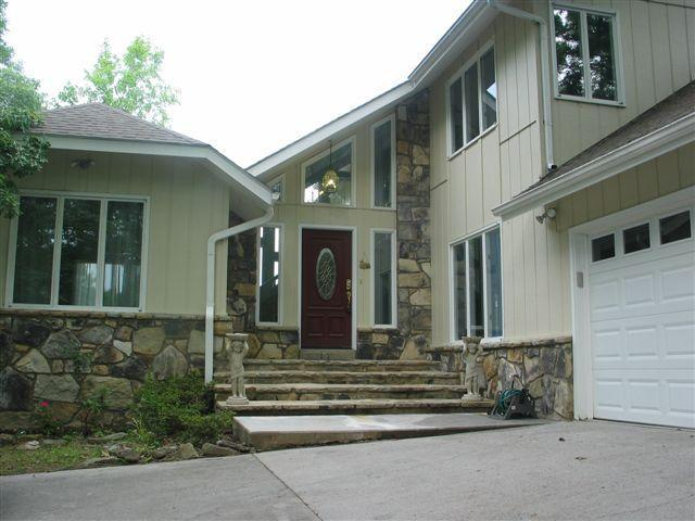 view of front of home - Executive Home Pigeon Forge 4 bedroom - Pigeon Forge - rentals