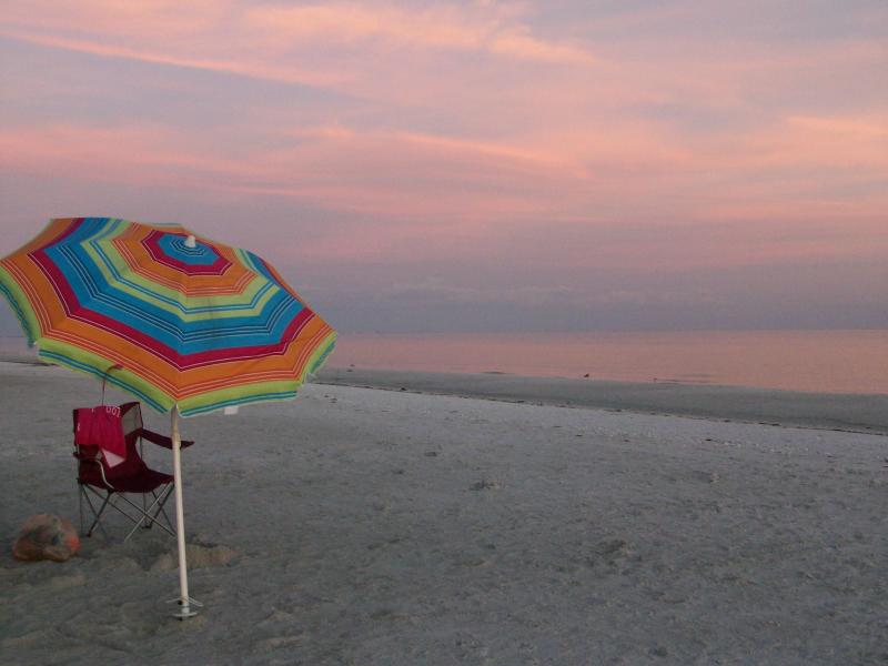 See the pinks and purples in the Afterglow - on Beach - Oceans Reach - See Sunrise out of Gulf - Sanibel Island - rentals
