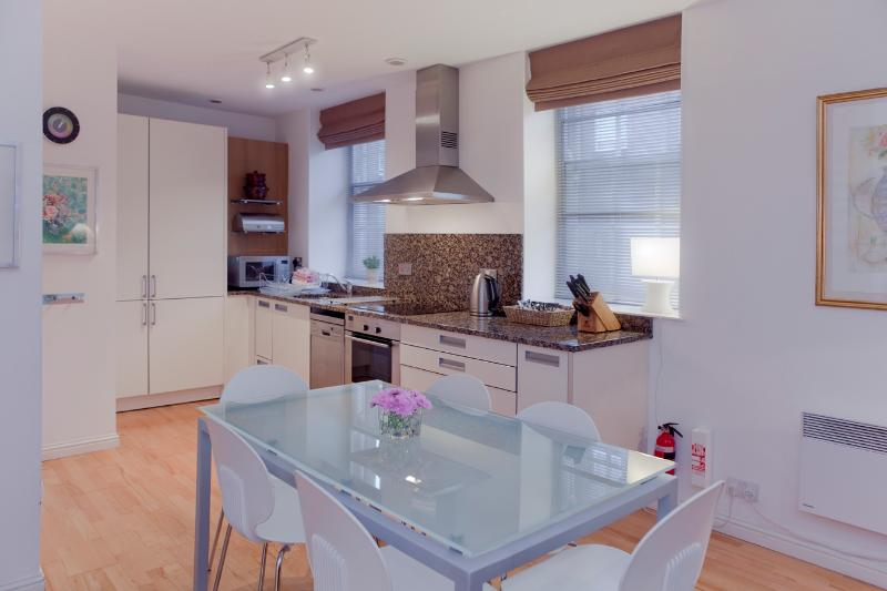 The Causewayside Apartment @ The Southside - Image 1 - Edinburgh - rentals