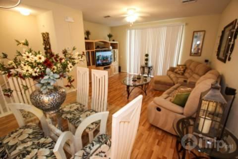 Dining area seats 6 and 2 more at bar - 5075 Vista Cay - Orlando - rentals