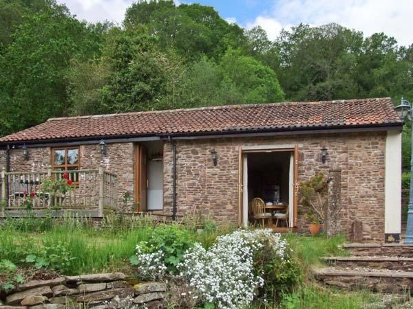 NIBLETTS PATCH COTTAGE, single storey, rural setting in Forest of Dean, en-suite, in Littledean, Ref 16543 - Image 1 - Littledean - rentals