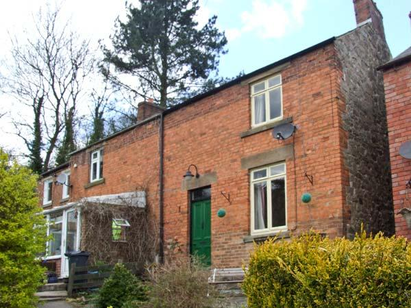 COSY COTTAGE, cottage with open fire, full of character, well presented, close to amenities in Wirksworth, Ref 15459 - Image 1 - Wirksworth - rentals
