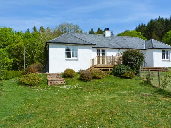 FORESTER'S COTTAGE, family friendly, country holiday cottage, with open fire in Kilmartin, Ref 15716 - Image 1 - Kilmartin - rentals