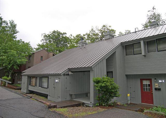 Outside - V12ME- Managed by Loon Reservation Service - NH Meals & Rooms Lic# 056365 - Lincoln - rentals