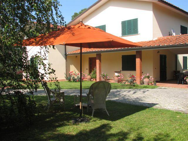Exterior view - 5 Bedroom Vacation Villa in Lucca - Lucca - rentals