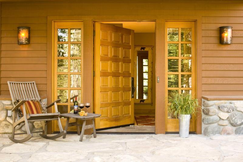 Front Entrance of Catamount - Catamount - Teton Village - rentals