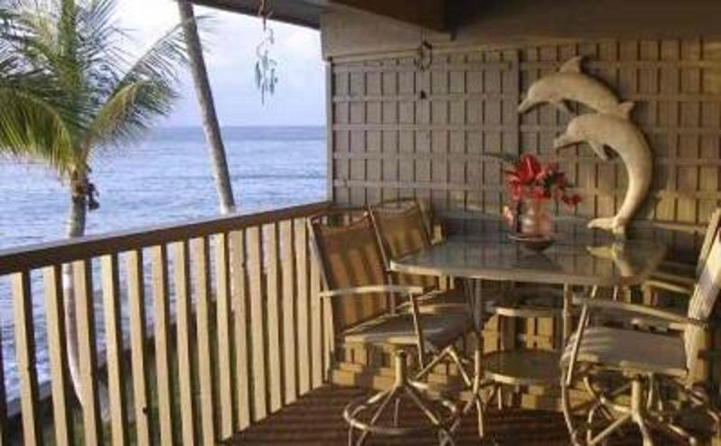 View from the Lanai, enjoy tropical dining - Oceanfront $115 -12 ft to the Ocean Summer Special - Lahaina - rentals