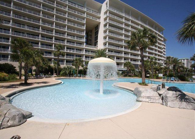 Sterling Shores 902-Close to Beach w/ Gulf View, Free Golf & Jacuzzi Tub - Image 1 - Destin - rentals
