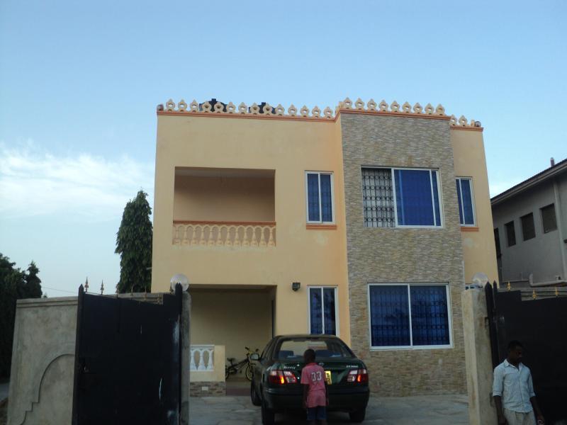 Parking area - Makisha Guest House - Mombasa - rentals