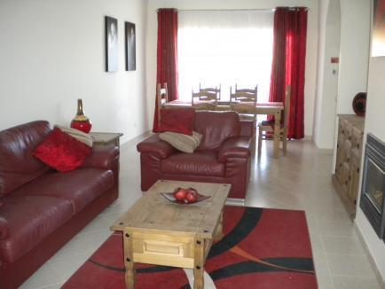 Lounge - 2 Bedroom Townhouse between Carvoeiro & Ferragudo - Carvoeiro - rentals