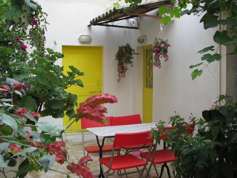 courtyard - Traditional Village House + Wi-Fi - Sinarades - rentals