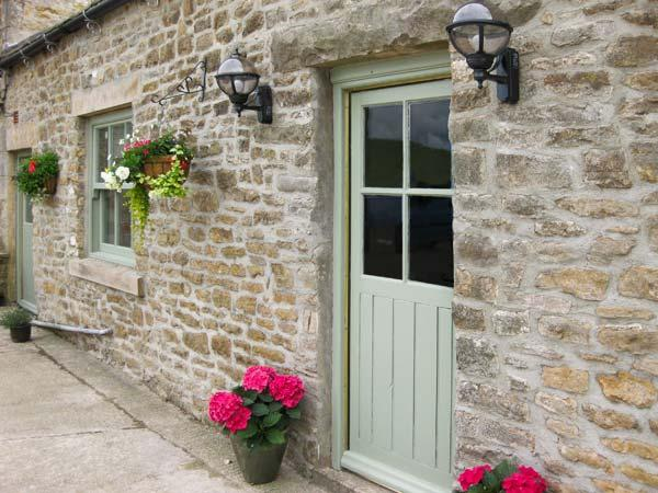 LOW SHIPLEY COTTAGE two double bedrooms with ensuites, woodburning stove in Barnard Castle Ref 16399 - Image 1 - Barnard Castle - rentals