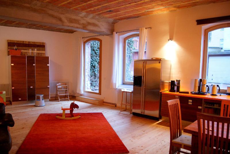 Ground Floor Stable Apartment in Berlin - Image 1 - Berlin - rentals