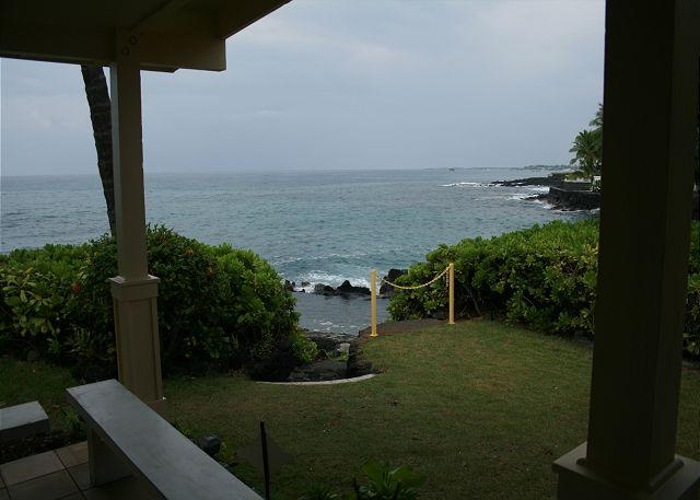 "Steps to ""Queen's Bath"" - Outstanding 4 BR / 3 BA Oceanfront Home with saltwater ""Queen's Bath"" - Kailua-Kona - rentals"