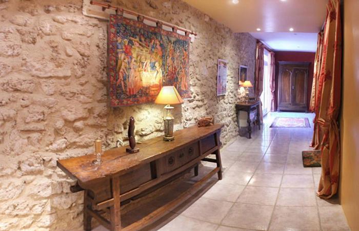 Luxurious 17 Century French Villa in The Languedoc - Image 1 - Nissan-lez-Enserune - rentals