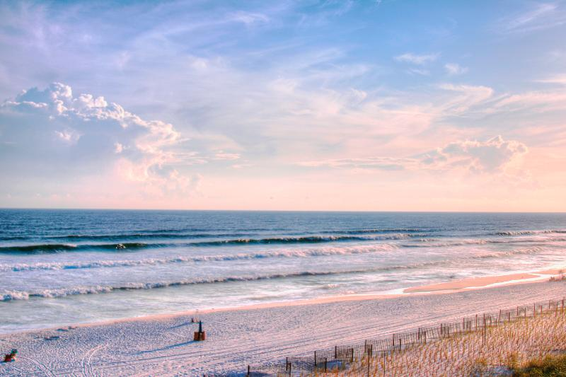 Pelican Isle 415 >o< GulfFront-10%OFF April1-May26*BEACH SVC- - Image 1 - Fort Walton Beach - rentals