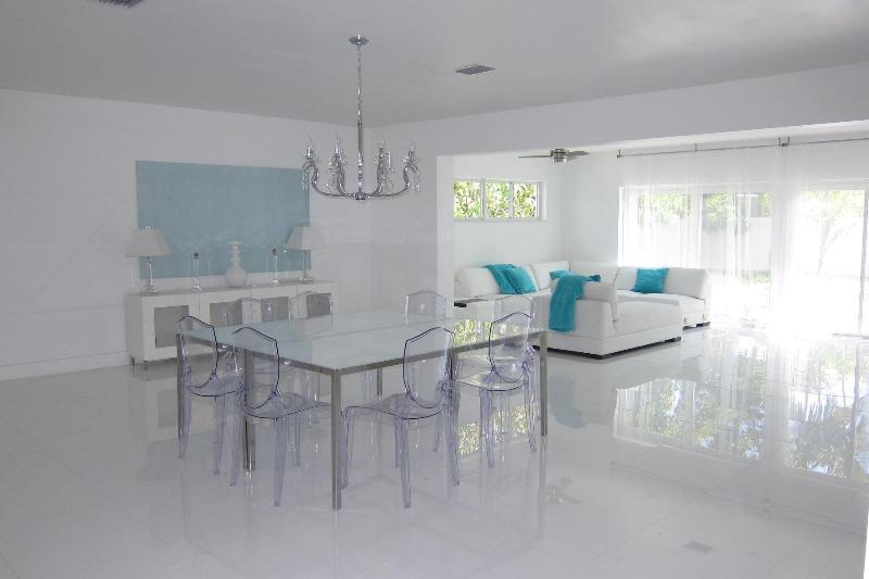 Tiffany Villa, lux mod and kosher w pool, Miami Fl - Image 1 - North Miami Beach - rentals