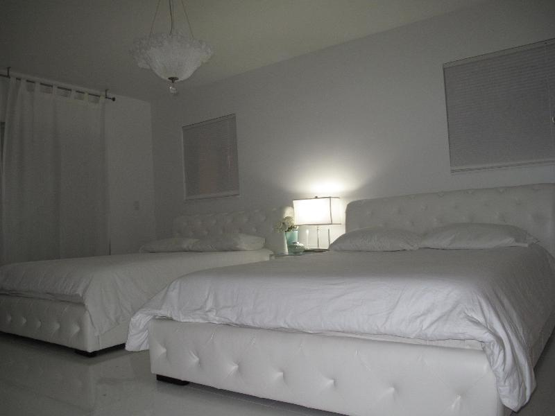 Tiffany Villa, lux mod and kosher w pool, Miami Fl - Image 1 - North Miami Beach - rentals