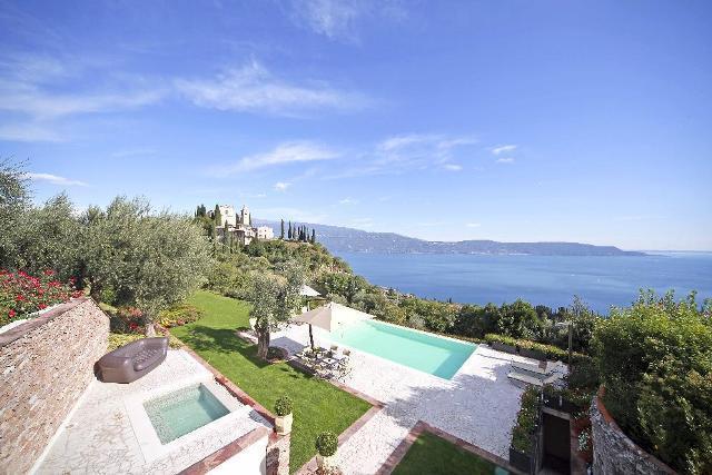 Villa Gardone - Gaino, Garda Lake - Italy - Image 1 - Toscolano-Maderno - rentals