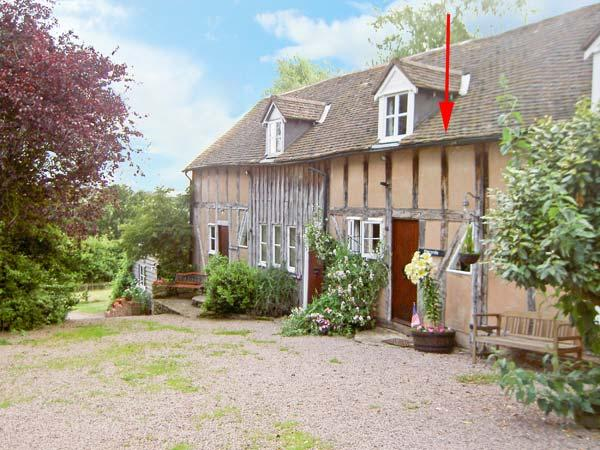HAYWAIN, upside down accommodation, fabulous surroundings, in Great Malvern Ref 16142 - Image 1 - Great Malvern - rentals