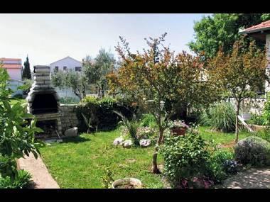 courtyard (house and surroundings) - 5614 A2(4) - Pirovac - Pirovac - rentals