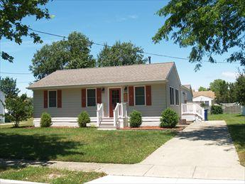 RENOVATED BEACH COTTAGE 107792 - Image 1 - Cape May - rentals