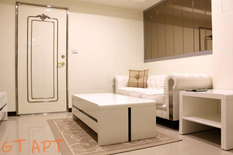 1 Bedroom 1 Bathroom Apartment Zhong Xiao Dun Hua MRT at your door step 1 Second - Image 1 - Taipei - rentals