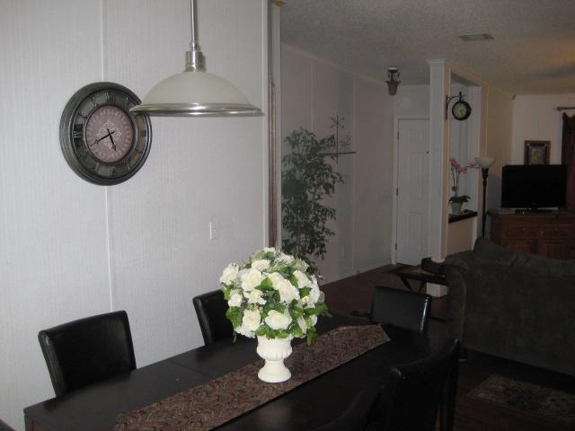 Dining area seating for 7 - Return to Me walking distance to  San Marcos river - San Marcos - rentals