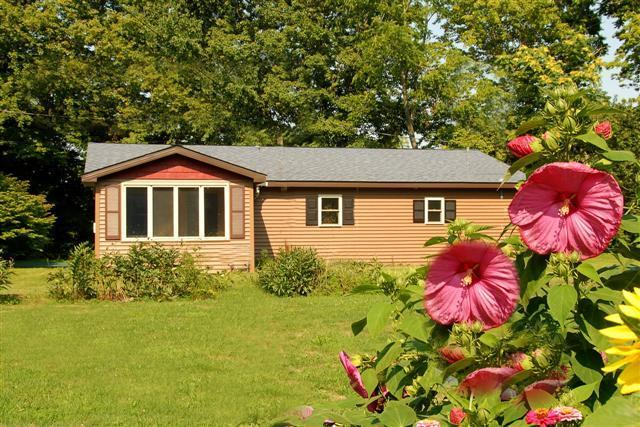 Outside View - Elkcreek Steelhead Cabin  814-434-3620 - Erie - rentals