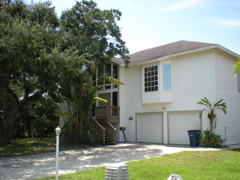 Nature's View Outside - NATURES VIEW, FAMILY REUNION HOME - Fort Myers Beach - rentals