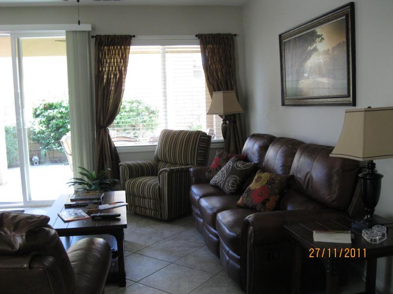 comfortable living room - Golfgetaway in Beautiful Indian Palms GCC. - Indio - rentals