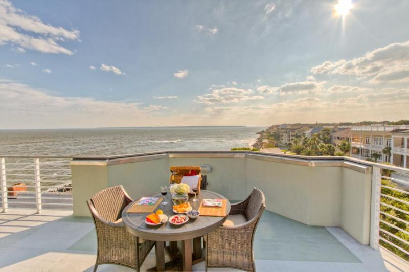 Roof top deck with bar and dining areas - Shiphouse - Oceanfront on St. Simons Island - Saint Simons Island - rentals