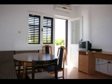 A5(8): dining room - 5501  A5(8) - Stanici - Stanici - rentals